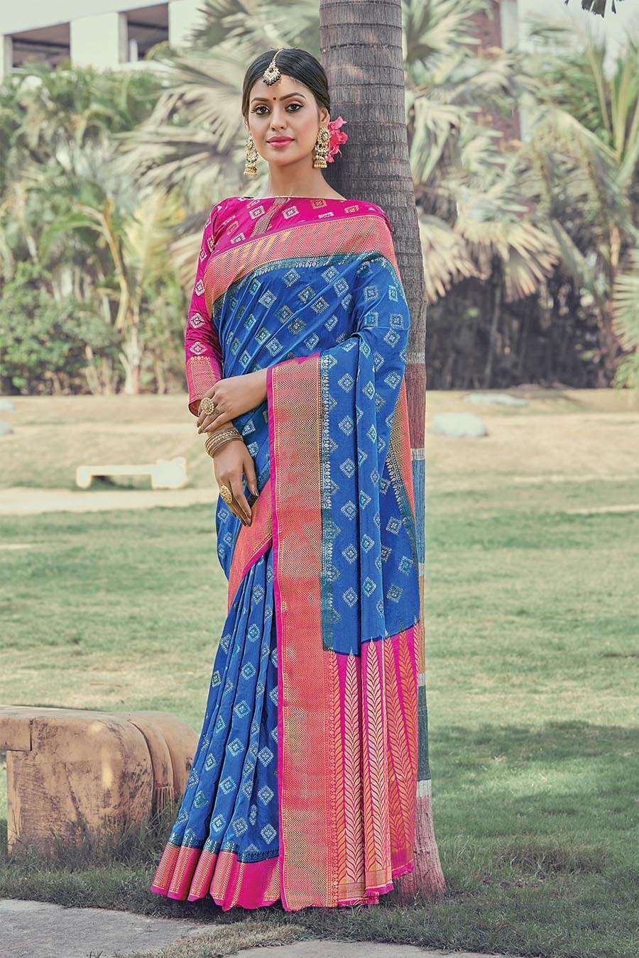 EXCLUSIVE PARTY WEAR SILK SAREES BOUTIQUE STYLE SAREES COLLECTION 23